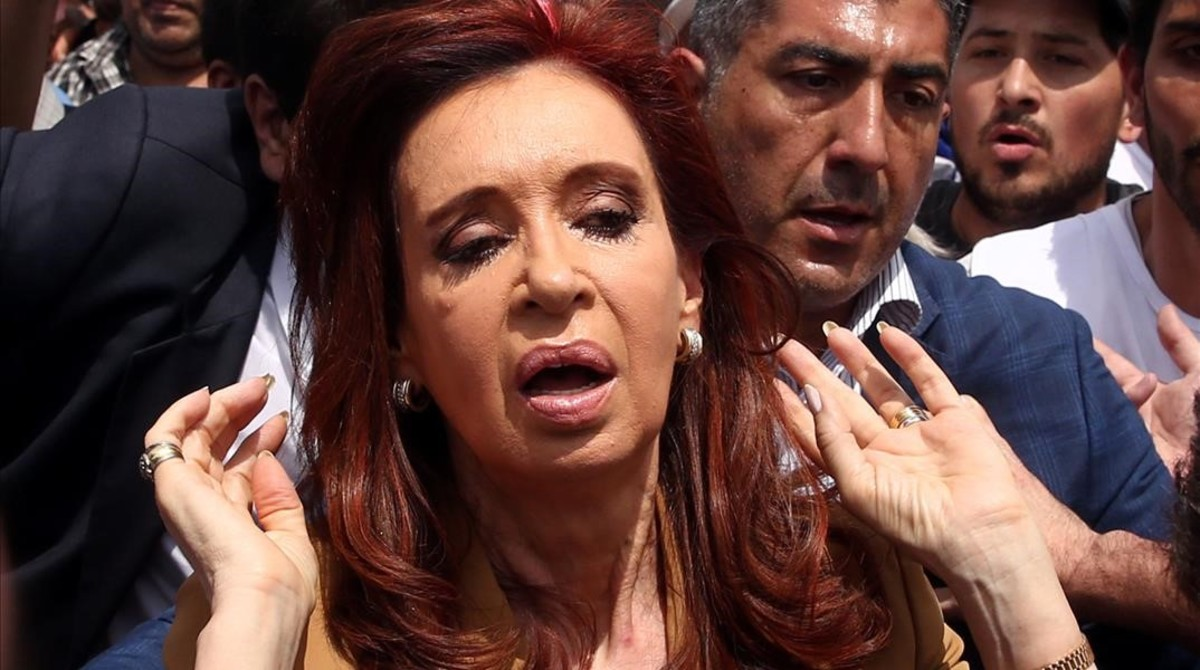 Former Argentine President Cristina Fernandez de Kirchner gestures as she walks amongst supporters after leaving court in Buenos Aires Argentina October31 2016 REUTERS Marcos Brindicci TPX IMAGES OF THE DAY